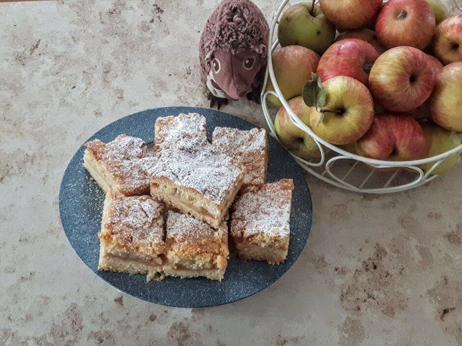 ciasto z jabłkami szrlotka