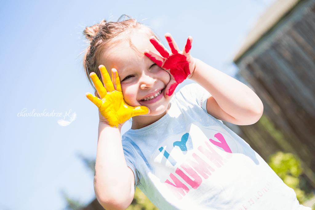 zabawa z dzieckiem farby