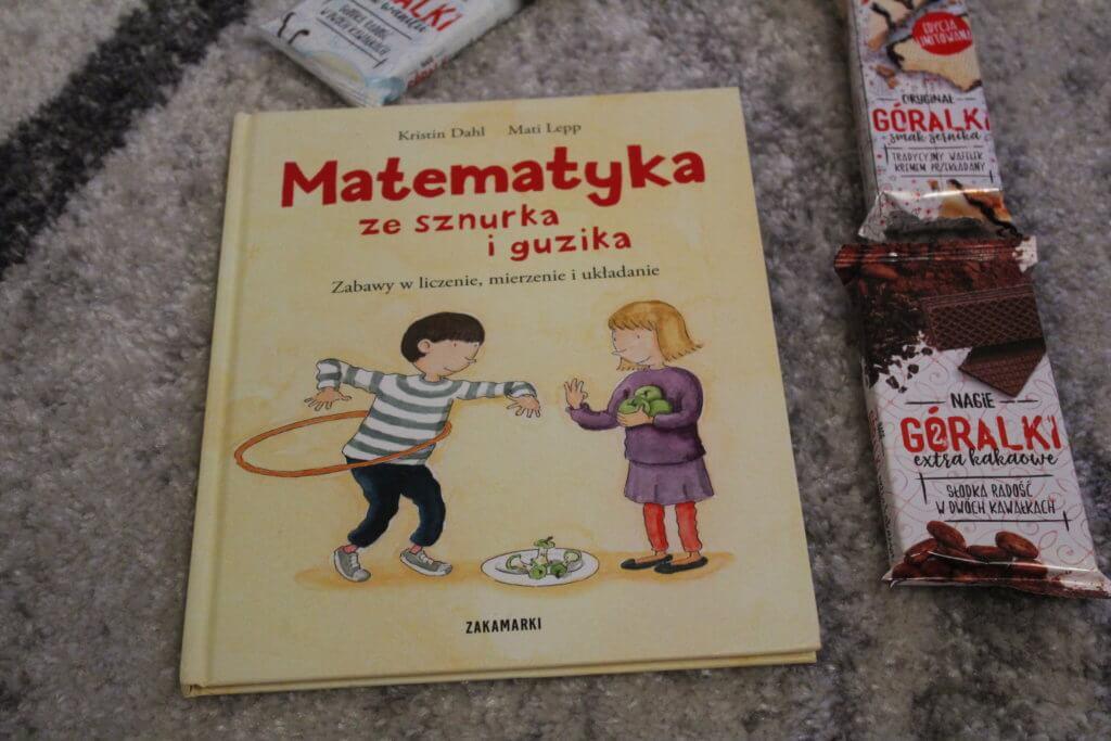 Matematyka ze sznurka i guzika