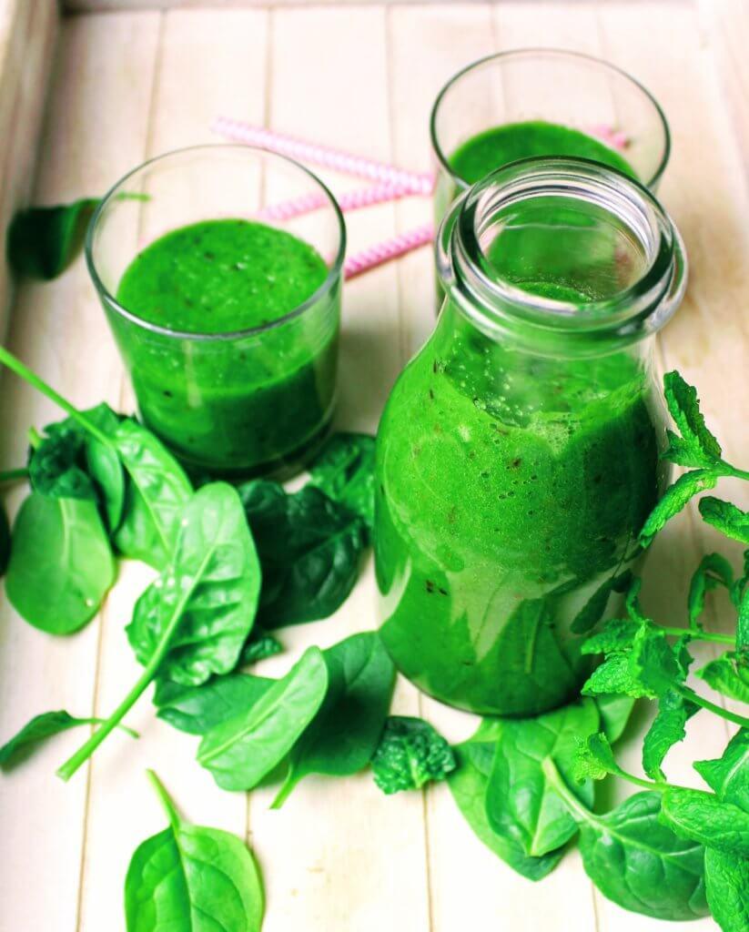 zielony koktajl dla dzieci ze szpinakiem